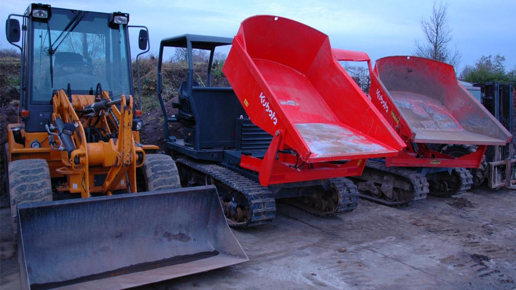 zwenklader 4 ton; Rupsdumpers 2.5 ton voor grondverzet
