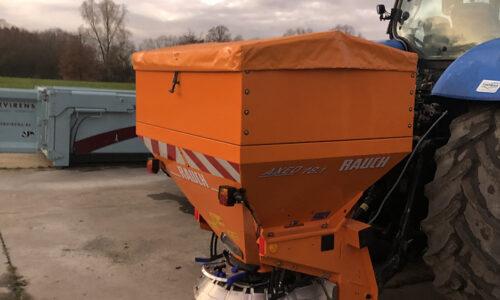 Tractor 200PK met zoutstrooier 1.8 ton
