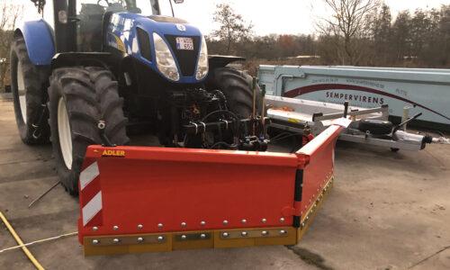 Tractor 200 PK met sneeuwschuif 330 cm breedte